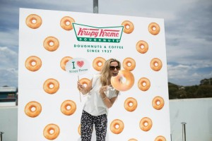 94.5's Jessie James at the Krispy Kreme opening